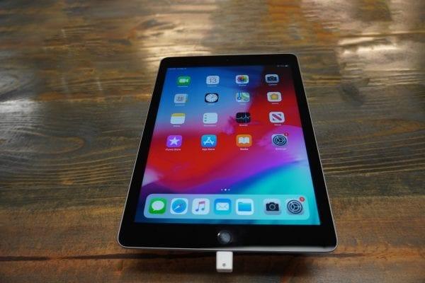 Apple - iPad 5th Gen 1