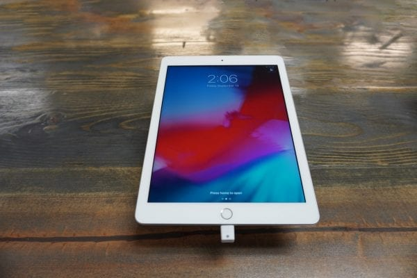 Apple - iPad 5th Gen 2